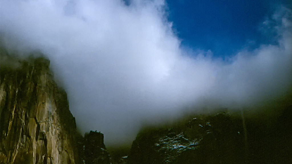 ElCap_Clouds_OldScan_1280x720