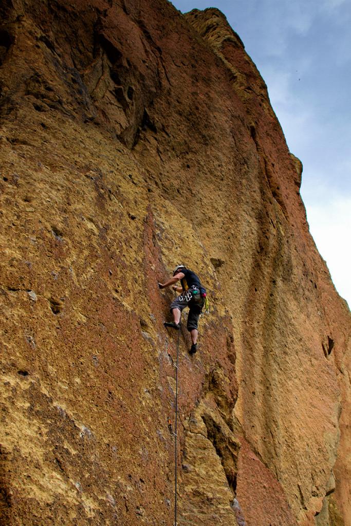 Smith_Rock_Dale_Climb01-800x1200